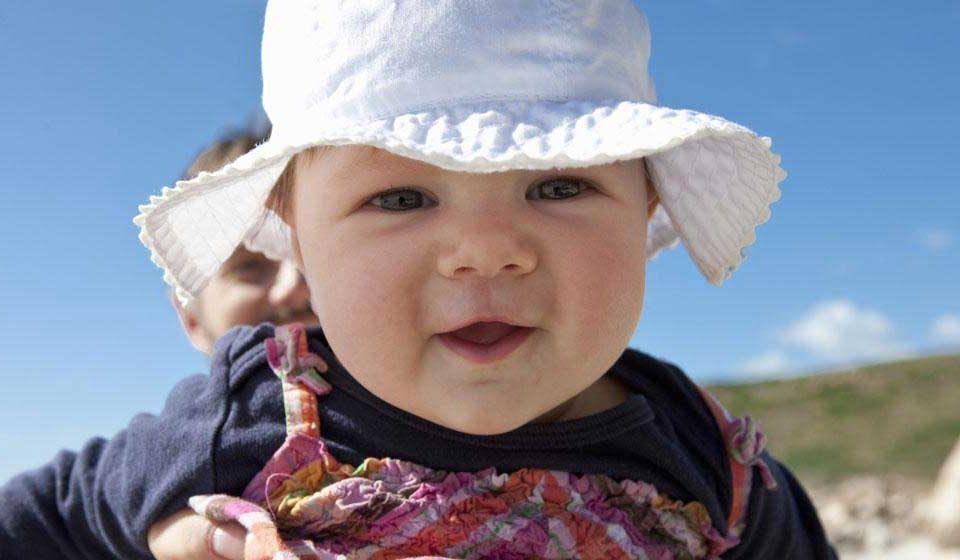 مراقبت از نوزاد در برابر آفتاب سوختگی - میترانیتا