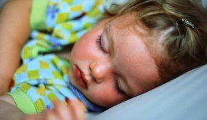 زمان مناسب برای خواب کودک - میترانیتا
